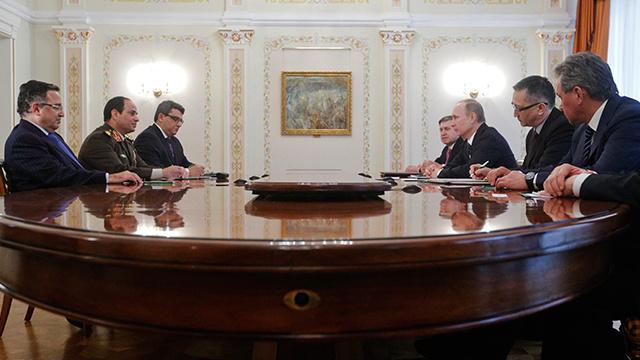 سفير روسيا لدى مصر: موسكو والقاهرة تبحثان توقيع عدة اتفاقيات ثنائية للتعاون العسكري