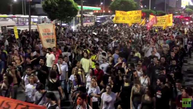 احتجاجات في البرازيل ضد رفع تعرفة وسائل النقل العامة بنسبة 10%