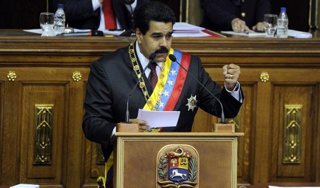 الحكومة الفينزولية تسعى للقبض على زعيم في المعارضة ومادورو يتهم واشنطن بتمويل المظاهرات
