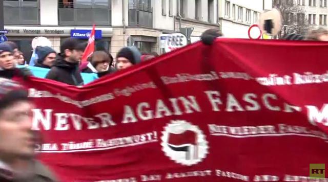 المتظاهرون اليساريون يواجهون شرطة مدينة درسدن (فيديو)
