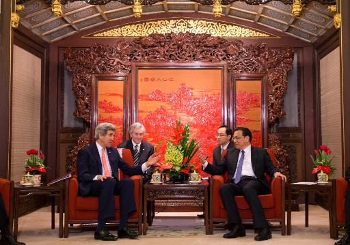 وزير الخارجية الصيني يؤكد لكيري عدم سماح بلاده بحدوث حرب في شبه الجزيرة الكورية