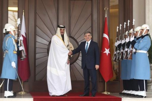 أمير دولة قطر يبحث الأزمة السورية مع غول واردوغان في أنقرة