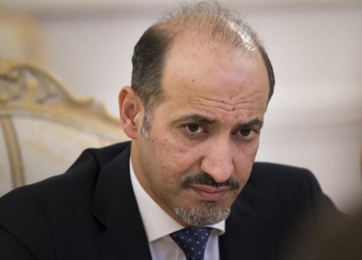 أحمد الجربا يزور إدلب ويقدم واجب العزاء بقيادي في الجيش الحر