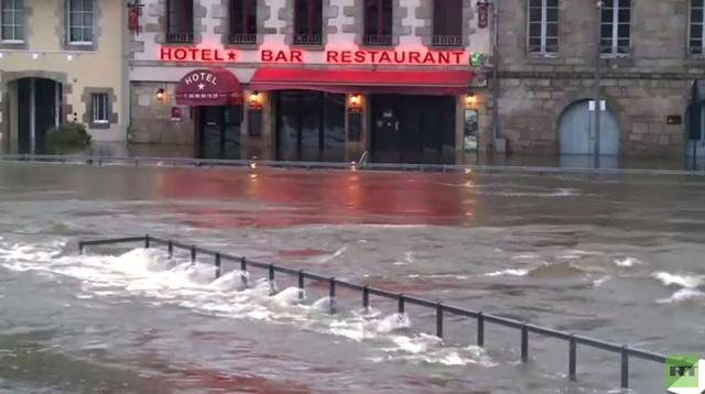 بالفيديو: العاصفة