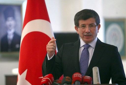 أوغلو يتهم الحكومة السورية بوجود علاقة مباشرة لها مع