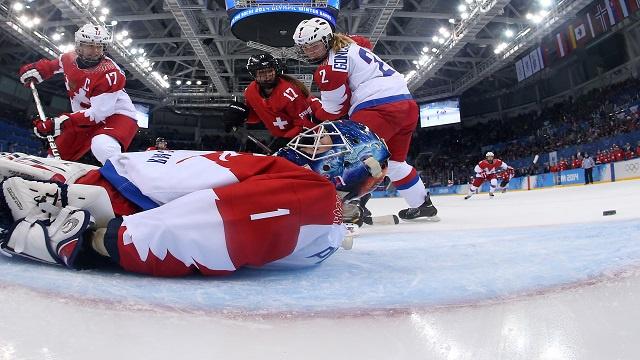 الهوكي على الجليد.. سيدات روسيا يخسرن أمام سويسرا في ربع نهائي سوتشي