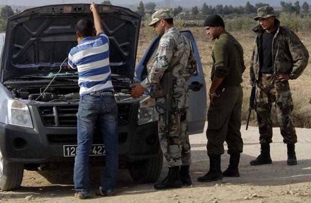 مسلحون يقتلون 3 أمنيين ومواطنا شمال غرب تونس