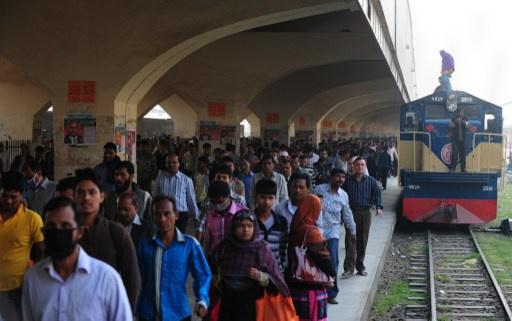 باكستان.. تفجير قطار يودي بحياة 8 اشخاص بينهم اطفال و