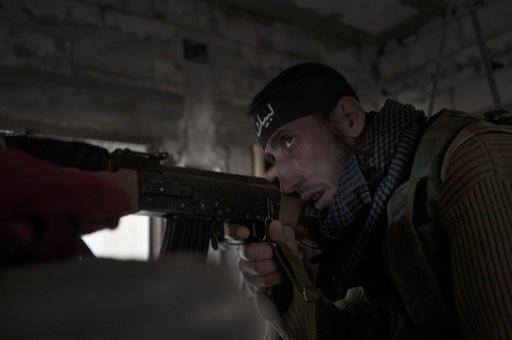 صحيفة: مئات الجهاديين عادوا من سورية إلى بريطانيا وانتحاري سجن حلب تدرب على ايدي شيشان