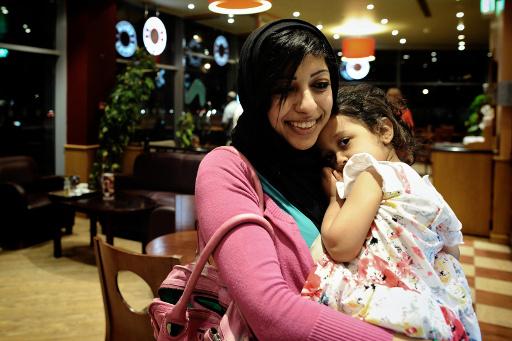 البحرين.. الافراج عن الناشطة زينب الخواجة بعد قضائها عاما في السجن