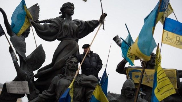 لافروف: وسائل الإعلام الغربية تخفي وقائع كثيرة من أحداث أوكرانيا