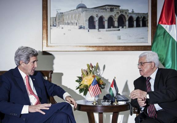 وزير الخارجية الأمريكي يلتقي محمود عباس الأربعاء المقبل بباريس
