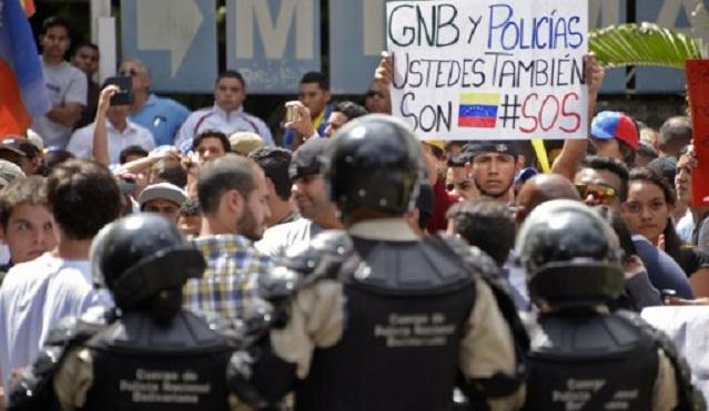 موسكو تعرب عن قلقها من سقوط ضحايا في اشتباكات بفنزويلا