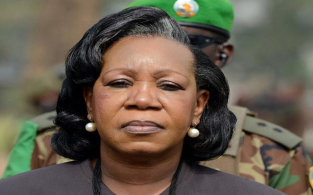رئيسة إفريقيا الوسطى تريد إبقاء القوات الفرنسية حتى سنة 2015