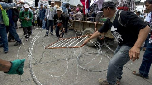 مقتل 4 أشخاص وإصابة 64 آخرين في اشتباكات بين الشرطة والمحتجين في بانكوك