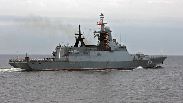 بالفيديو..مبارزة تدريبية بين فرقاطة وغواصة روسيتين في بحر البلطيق