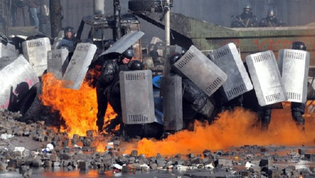 دعوات أمريكية وأوروبية لوقف العنف واستئناف الحوار في أوكرانيا