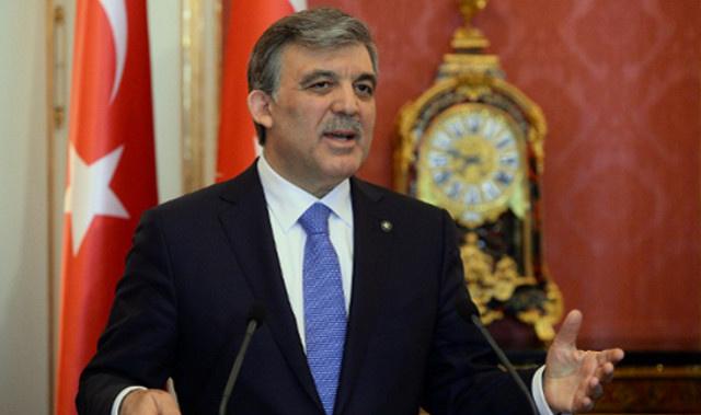 الرئيس التركي يلمّح إلى إقرار قانوني القضاء والإنترنت رغم الاحتجاج