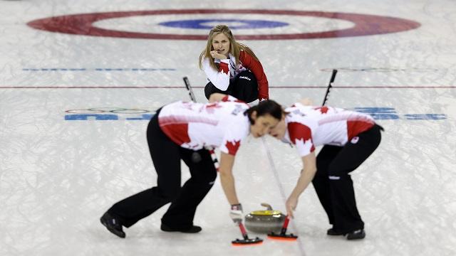 ذهبية الكيرلينغ للسيدات تنحصر بين كندا والسويد