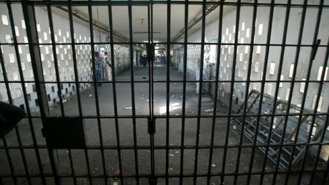 أحكام بسجن ضباط عراقيين على خلفية هروب السجناء من