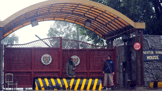 مقتل 15 مسلحا في ضربة صاروخية على مواقع طالبان شمال شرق باكستان