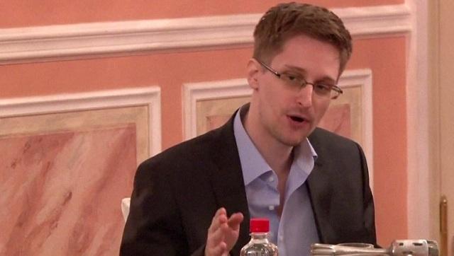 سنودن: السرية المبالغ تهدد الديمقراطية