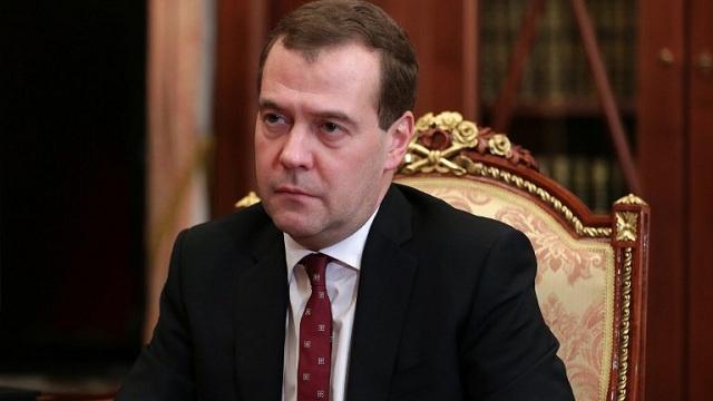 مدفيديف: روسيا ستنفذ التزاماتها مع سلطة شرعية وفعالة في أوكرانيا