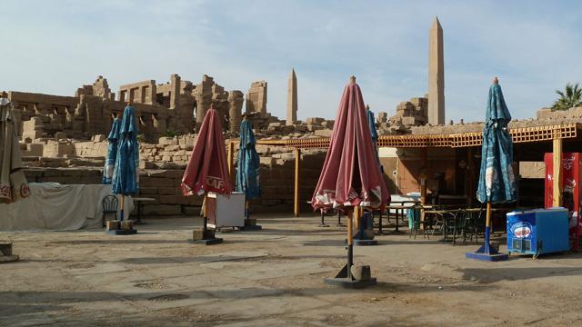 السياح الروس يعرضون عن شراء رحلات سياحية إلى مصر