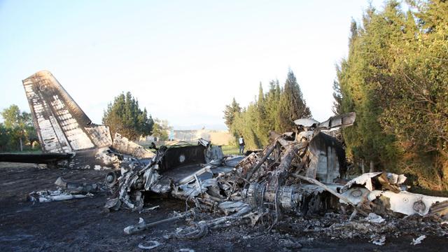 مقتل 11 شخصا في حادث سقوط طائرة عسكرية ليبية في تونس