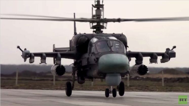 القوات الجوية الروسية تجري مناورات بمشاركة مروحياتها الجديدة (فيديو)