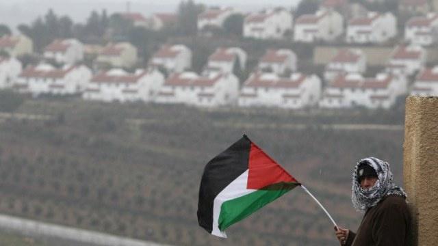 نواب إسرائيليون يحذرون نتنياهو من عواقب تجميد الاستيطان