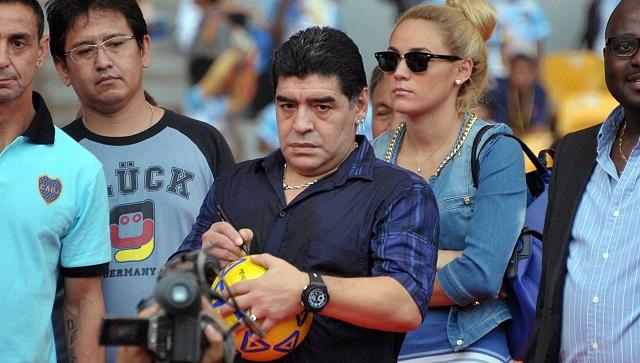 الأسطورة مارادونا يعود لاعبا إلى الملاعب الخضراء!
