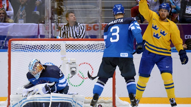 أولمبياد سوتشي .. السويد تبلغ النهائي الذهبي لهوكي الجليد