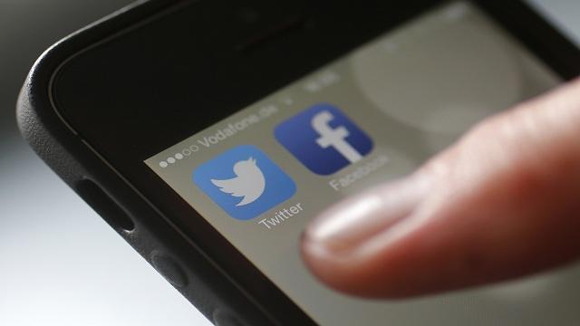 دراسة: السماح للعاملين باستخدام شبكات التواصل الاجتماعي يزيد إنتاجية العمل