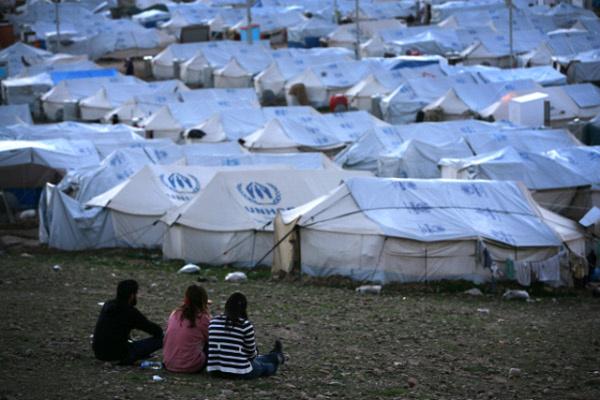 مفوضية شؤون اللاجئين توجه نداءا لاستضافة 100 ألف لاجئ سوري