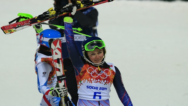 الأمريكية شيفرين تتوج بذهبية التزلج الألبي المتعرج