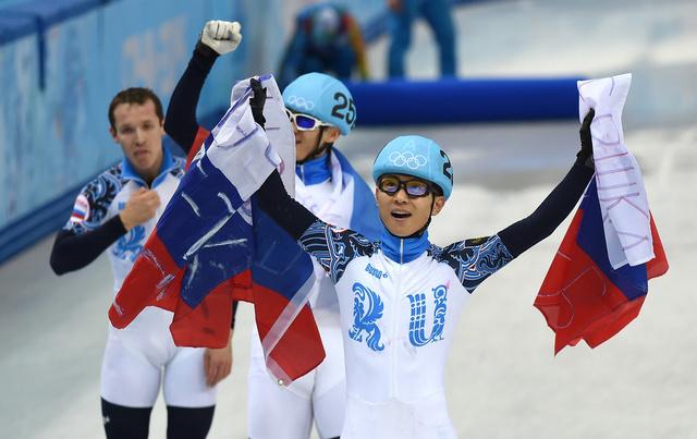 روسيا تحصد ميداليتين ذهبيتين في مسابقات التزحلق في المضمار القصير