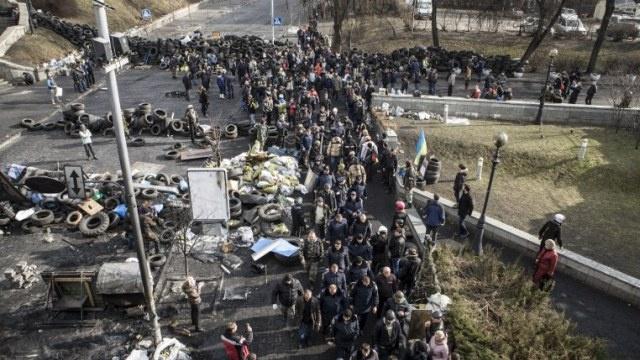 وسائل إعلام: أنصار المعارضة يسيطرون على الحي الحكومي في كييف