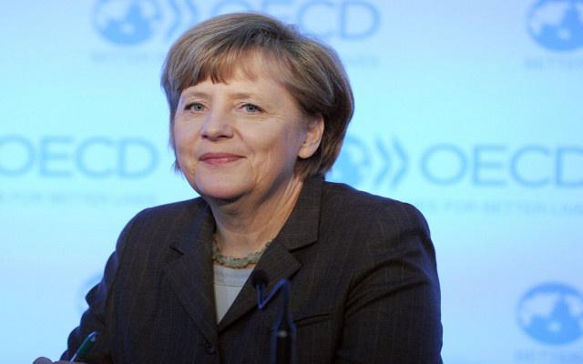 أنغيلا ميركل تدعم جهود جون كيري لتحقيق السلام في الشرق الأوسط