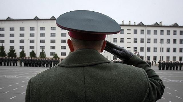 وزارة الدفاع الأوكرانية: الجيش لن يتورط في الأزمة السياسية