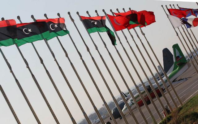 السلطات الليبية تعتقل 6 قطريين يحملون جوازات مزورة في مطار بنغازي