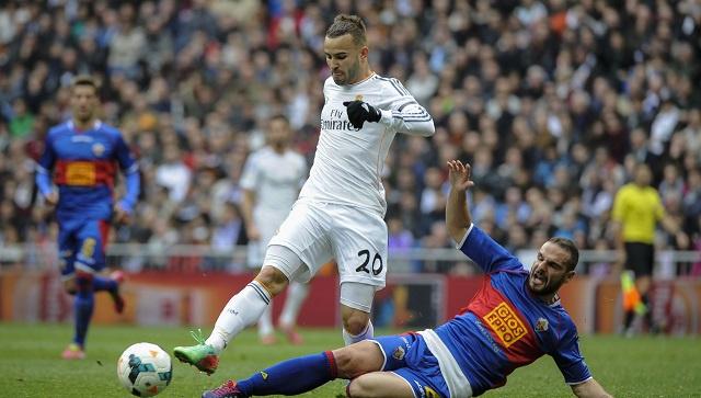 ريال مدريد يكرم ضيفه إلتشي المتواضع بثلاثية