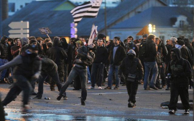 مواجهات عنيفة بين قوات الأمن ومحتجين بمدينة نانت الفرنسية