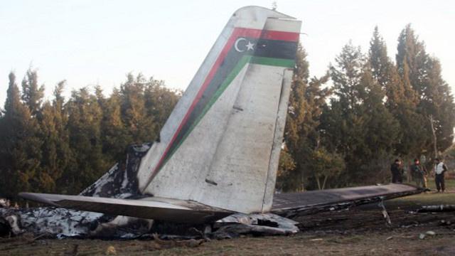 تونس تسلم ليبيا صندوقي طائرتها الأسودين