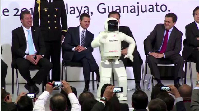 بالفيديو ...شركة هوندا تفتتح مصنعا بالمكسيك بحضور الروبوت