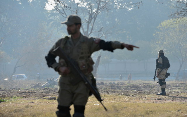 الجيش الباكستاني يقصف مواقع للمتشددين ويقتل 38 مسلحا
