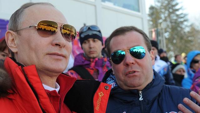 بوتين يهنئ الفريق الروسي بذهبية مسابقة
