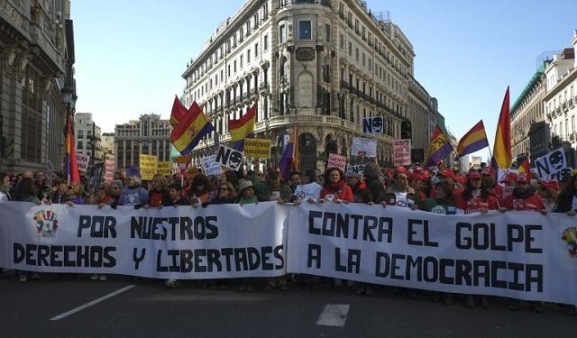 إسبانيا: الآلاف من المتظاهرين ينددون بقانون الحماية و