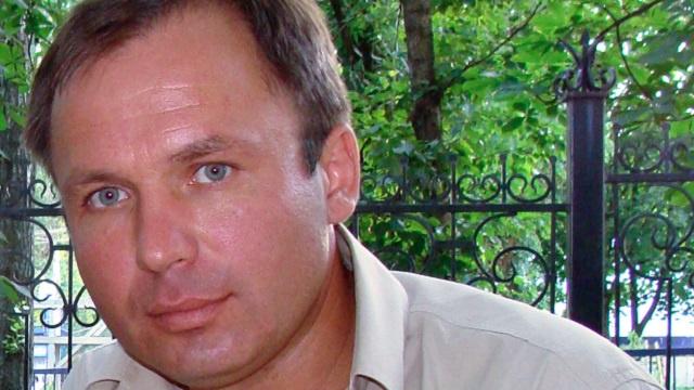 لافروف يطالب كيري بتحسين ظروف اعتقال طيار روسي محتجز لدى واشنطن