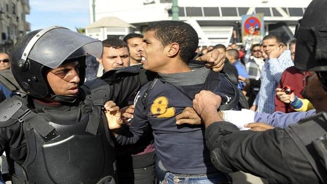 القضاء المصري يحكم على 116 من مؤيدي المعزول بالحبس 5 سنوات
